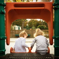 Park fun: Clara & Coco