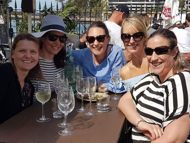 Zoe's girl gang back in Sydney. She misses them a lot!